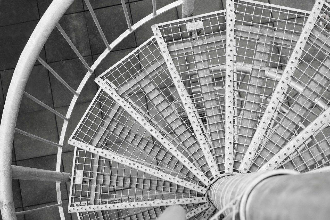 spiral staircase 674432 1280 compressor